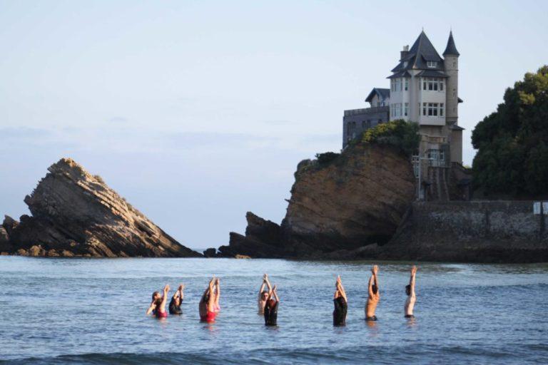 Relaxation et yoga dans l'océan